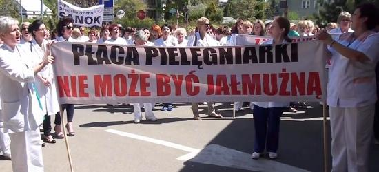 Najpierw manifestacja w Warszawie. Następnie odejście od łóżek