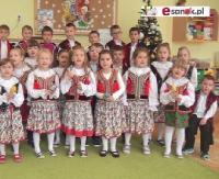 """SANOCKA AKCJA ŚPIEWANIA KOLĘD: Przedszkole nr 4 w Sanoku – """"Świeć gwiazdeczko mała świeć"""" (FILM)"""