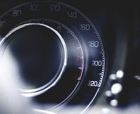 Podwójna prędkość i stracone prawa jazdy. Wpadło pięciu kierowców
