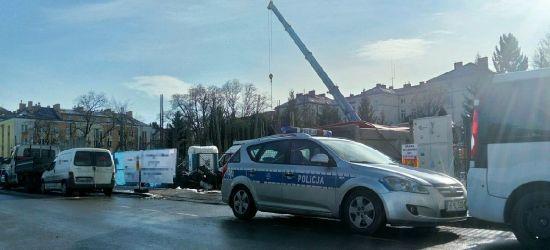 SANOK: Wypadek na budowie. 200 kg słupem uderzony w głowę