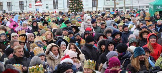 """Świąteczne występy uczniów z Nowotańca zachwyciły publiczność. Zacięty """"pojedynek"""" wójta z radnym (FILM, ZDJĘCIA)"""
