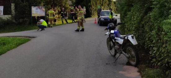 16-latek na motocyklu zderzył się z samochodem (ZDJĘCIE)