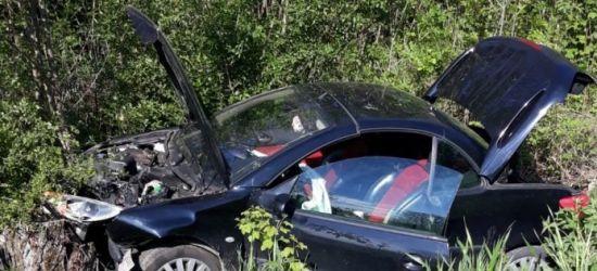REGION: Straciła panowanie nad pojazdem. Uderzyła w drzewo