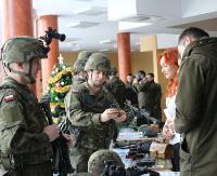 AKTUALIZACJA: Legia Akademicka w sanockiej PWSZ? Pokaz sprzętu wojskowego i strzelanie ostrą amunicją (FILM, ZDJĘCIA)