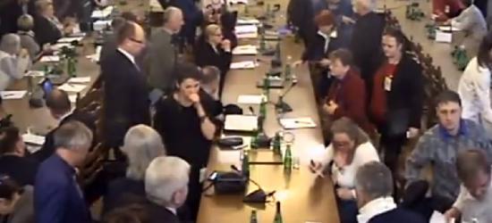 """,,Ostateczna batalia o polską żywność"""". Posiedzenie połączonych komisji (RETRANSMISJA)"""