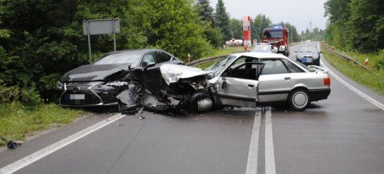 Zderzenie czterech samochodów. Jedna osoba zmarła w szpitalu (FOTO)
