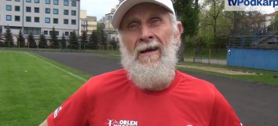 MAREK NOWOSIELSKI: Strzał z pistoletu i ruszył dziadzio na 12 godzin biegu! (WYWIAD)