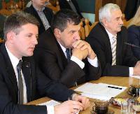 JUTRO SESJA: O zasadach używania herbu powiatowego, likwidacji Regionalnego Centrum Rozwoju Edukacji Gimnazjum dla Dorosłych oraz zmiany w budżecie