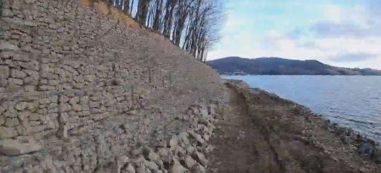 Trwa umacnianie brzegów Jeziora Solińskiego. Nowe ścieżki spacerowe (VIDEO)