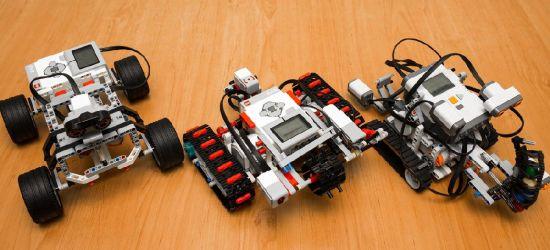 """Roboty LEGO, drukarki 3D. Ferie z techniką w """"mechaniku"""""""