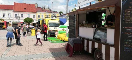 SANOK: Trwa uliczne święto dobrego jedzenia! Zajrzycie na Rynek? (LIVE, FOTO)
