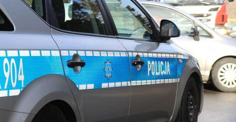 KRONIKA POLICYJNA: Pobicie nastolatka i kradzież 700 litrów paliwa
