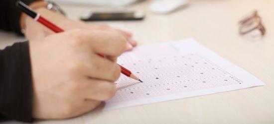 SANOK: Ostatni egzamin gimnazjalny. Mimo strajku nauczycieli, zgodnie z harmonogramem