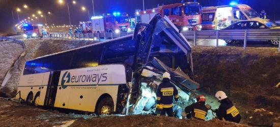 Kolejny wypadek autokaru pod Przemyślem! 1 osoba nie żyje, 5 rannych (ZDJĘCIA)