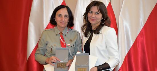 Krystyna Chowaniec i Monika Brewczak uhonorowane medalami