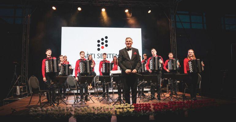"""Akordeonowe święto w sanockiej szkole muzycznej! Na początek orkiestra """"Arti Sentemo"""""""