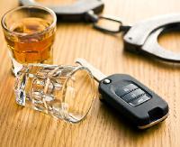 Pijany kierowca spowodował kolizję i odjechał. Został zatrzymany przez poszkodowanego