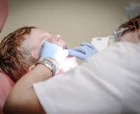 GMINA BESKO: Gabinet stomatologiczny przy Zespole Szkół w Besku. Młodzież skorzysta z niego przez najbliższe 10 lat