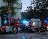 KRONIKA STRAŻACKA: Pożar nielegalnego wysypiska i dachowanie w rowie