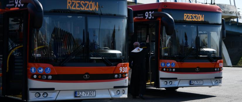 AUTOSAN: Przekazano kluczyki do nowiutkich SANCITY 12LF. Autobusy z Sanoka wyjadą na rzeszowskie drogi (ZDJĘCIA)