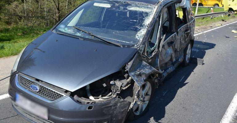 REGION: Zderzenie dwóch ciężarówek z osobówkami (FOTO)