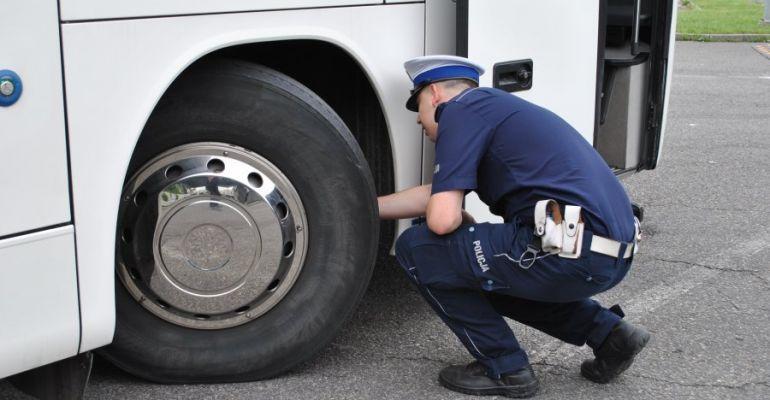 DZISIAJ: Policja sprawdza autobusy i busy. Wzmożone działania
