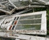 INTERWENCJA: Dzikie wysypisko nad Osławą. Policja szuka sprawców (ZDJĘCIA)