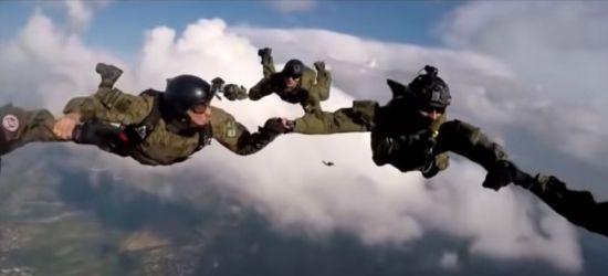Desant nad Krosnem. Żołnierze podczas efektownych ćwiczeń (FOTO, VIDEO)