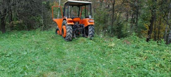 Traktor przejechał po 37-latku. Mężczyzna trafił do szpitala (ZDJĘCIE)