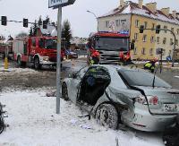 UWAGA! Bardzo groźny wypadek na skrzyżowaniu. Są ranni (FILM, ZDJĘCIA)