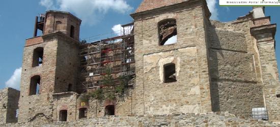 KLASZTOR ZAGÓRZ: Turyści coraz liczniej odwiedzą Marymont. Trwają prace przy ścianie wschodniej obiektu (FILM)