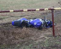 AKTUALIZACJA: Motocyklista zderzył się z busem. Mężczyznę zabrano do szpitala (ZDJĘCIA)