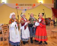 """GMINA SANOK: """"Herody"""", muzyka w wykonaniu kapel ludowych i fantastyczna atmosfera. Tak świętowali seniorzy (ZDJĘCIA)"""