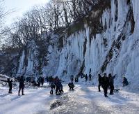 Tłumy w Rudawce Rymanowskiej podziwiały lodospady! (OBSZERNA FOTORELACJA)