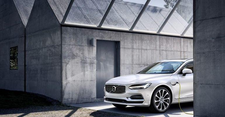 Plug-In, Vat-Out. Wybierz Volvo Recharge Plug-In lub Mild-hybrid odpowiednie dla Ciebie taniej o VAT