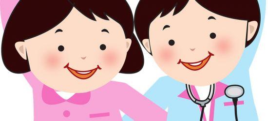 """SANOK: Przedszkolaki wykonują """"Kartki dla medyka"""""""