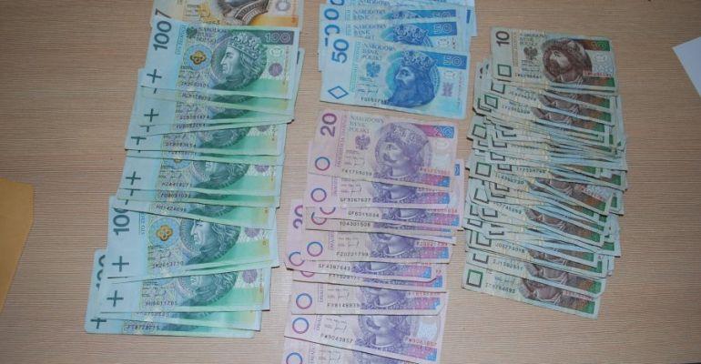 PODKARPACIE: Ukradł pieniądze przeznaczone na walkę z koronawirusem