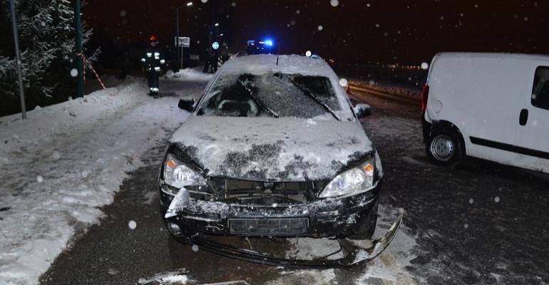 REGION: Pijany kierowca forda zderzył się z fiatem. Miał ponad 3 promile (ZDJĘCIA)