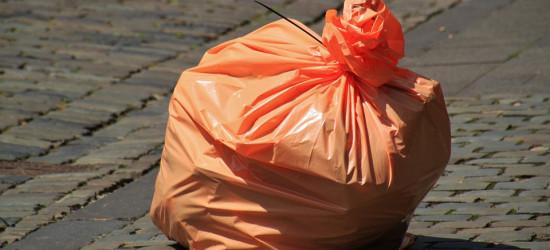"""Opłaty za śmieci w gminie Sanok: """"Koszty będą wyższe i to znacząco"""""""
