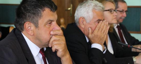 POWIAT SANOK: Radny Niżnik zapytał o pożyczkę zaciągniętą przez szpital w parabanku. Zrobiło się gorąco (VIDEO, FOTO)