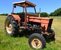 Pijany traktorzysta miał blisko 2,5 promila alkoholu we krwi i jechał bez uprawnień
