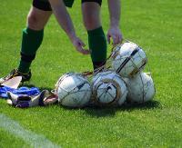 Ostatnie akcenty piłkarskiej jesieni. Grają w IV lidze i okręgówce