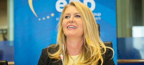 """Elżbieta Łukacijewska: """"Będzie więcej pieniędzy dla Podkarpacia""""!"""