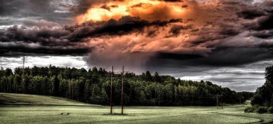 Ostrzeżenie drugiego stopnia o burzach! Wiatr do 90 km/h!