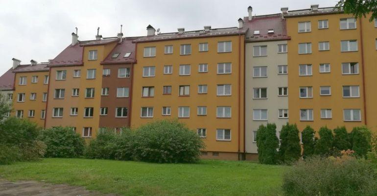 SANOK: 37-latek wypadł z 3 piętra. Nie przeżył (FOTO)