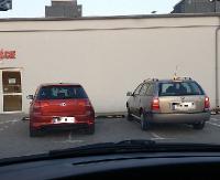 PARKOWANIE PO SANOCKU: Z parkingiem na Galerii Sanok wielu ma kłopoty. Tym razem tak to wygląda (FOTO)