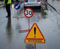 Tragiczny wypadek w Brzozowie. 36-latka przygniótł samochód. Zginął na miejscu