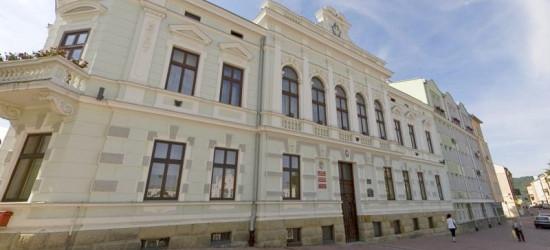 Debaty przed II turą nie będzie! Matuszewski dyskutował z burmistrzem Ustrzyk Dolnych oraz kandydatem z Leska