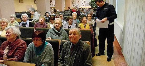 O potrzebach i oczekiwaniach osób starszych podczas debaty policyjnej (ZDJĘCIA)