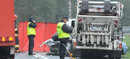 Tragedia na drodze w Zagórzu.Trzy osoby nie żyją (FILM, ZDJĘCIA)